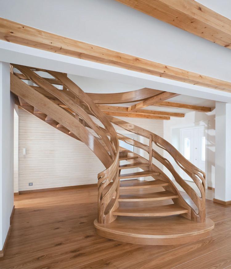 Immagine galleria 14 - Scale in legno marrone chiaro