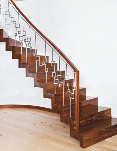 Immagine galleria 15 - scale in legno quadrate