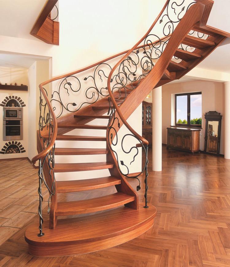 Immagine galleria 2 - Quadrate scale in legno marrone scuro