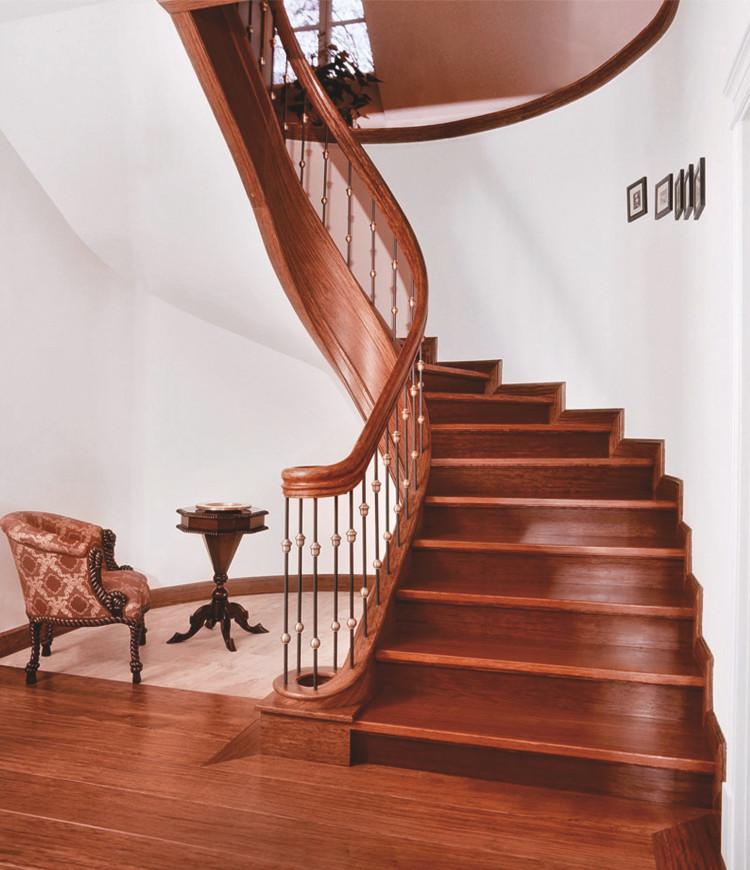 Immagine galleria 6 - Scale in legno di color marrone scuro